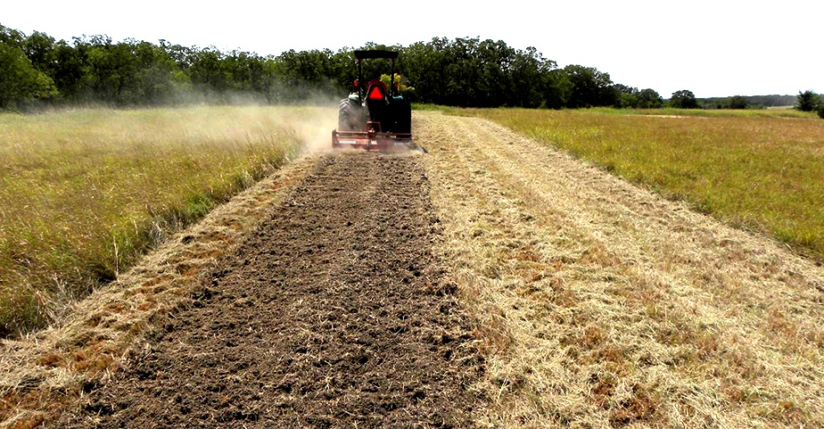 hs-TTi-blog-How-to-use-Firebreaks---Your-key-weapon-against-grassfires---v2