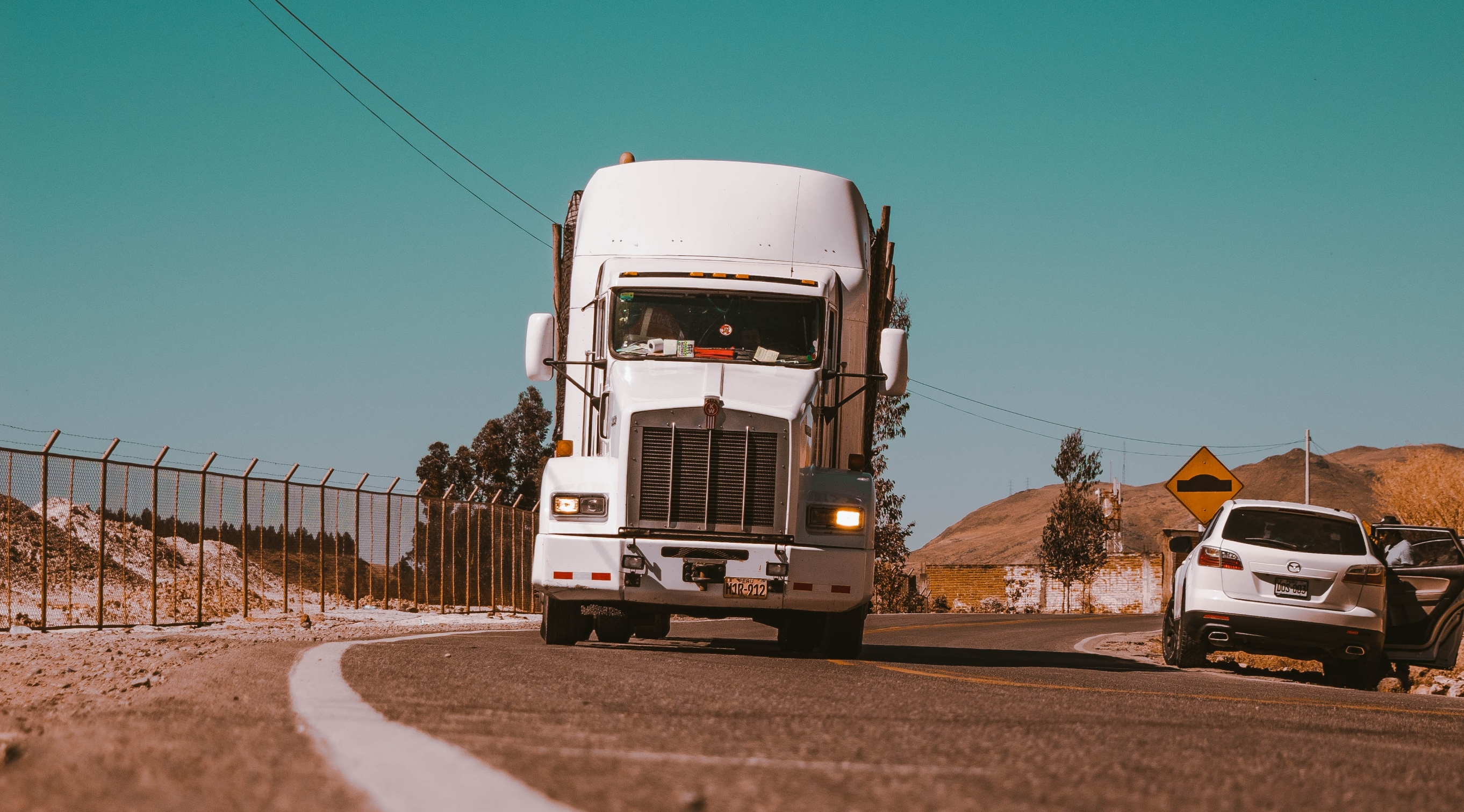 3-reasons-truck-drivers-leave-cdl-trucking-jobs
