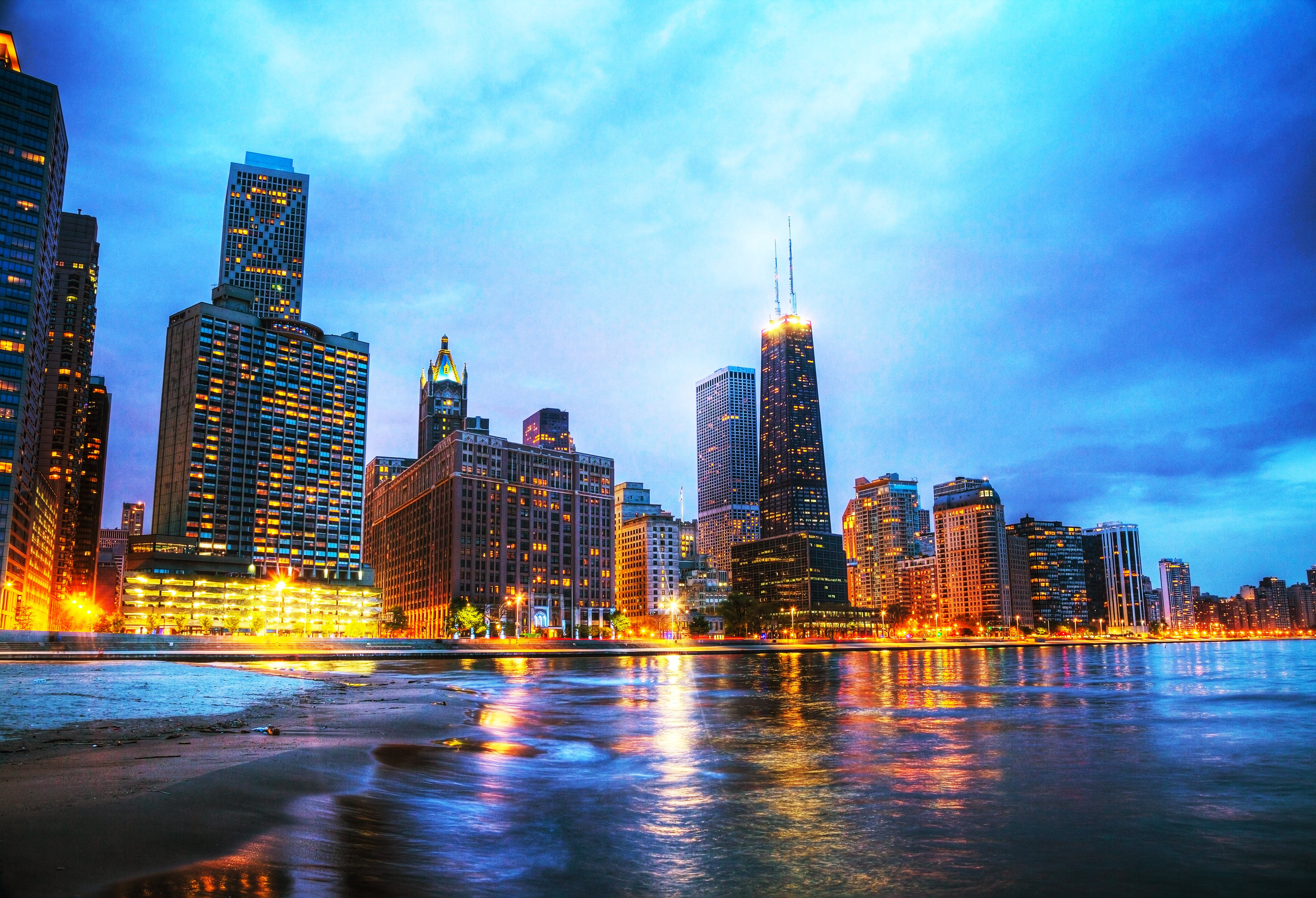 Chicago_Skyline_Dollarphotoclub