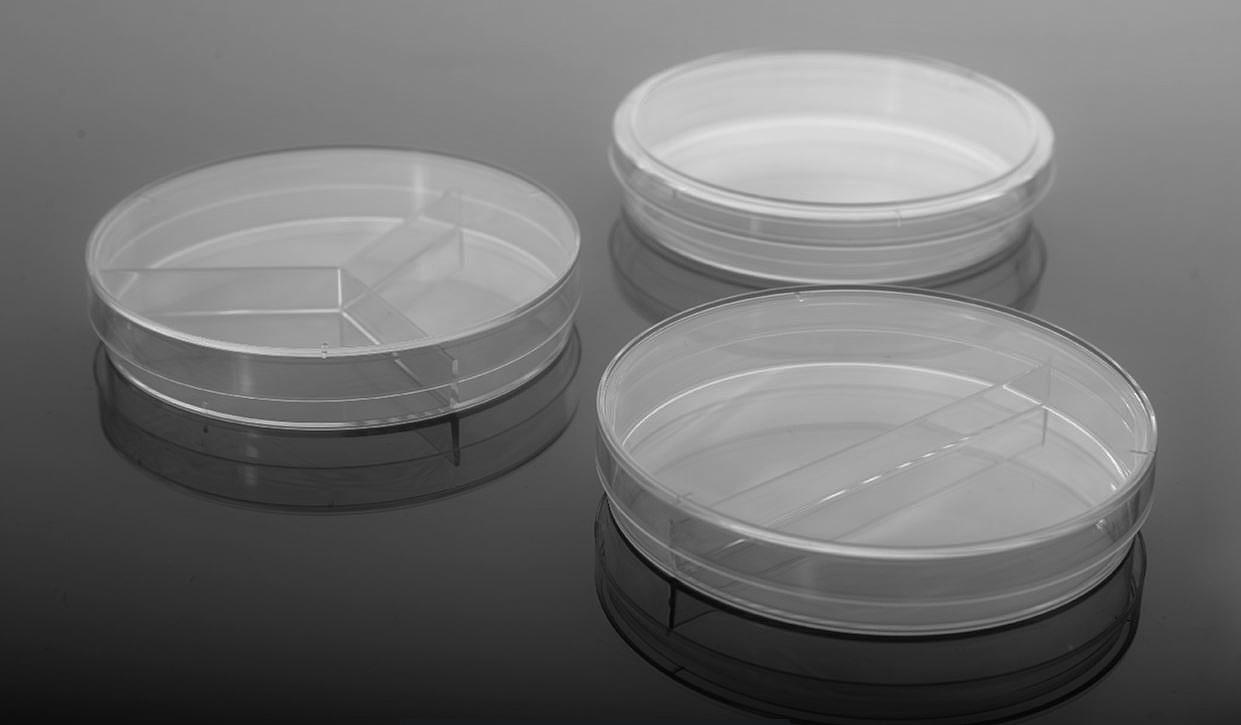 Sterile Petri Dishes from NEST Scientific, CELLTREAT & Simport