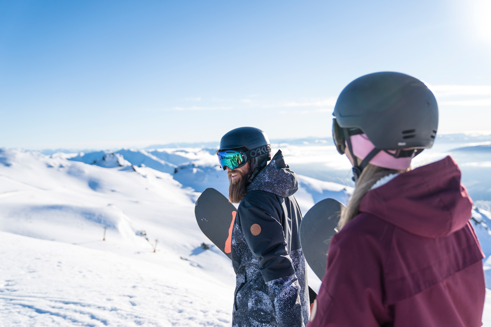 Cardrona-Alpine-Resort---Couple-looking-at-view----lowres