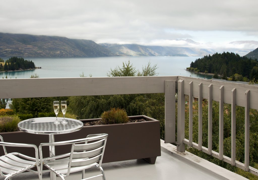 Copthorne_Lakeview_Balcony_2_R