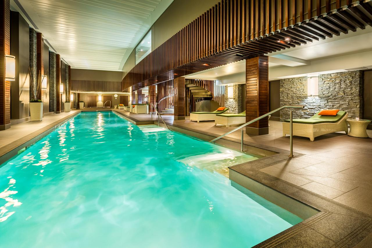 Hilton Queenstown Pool-1
