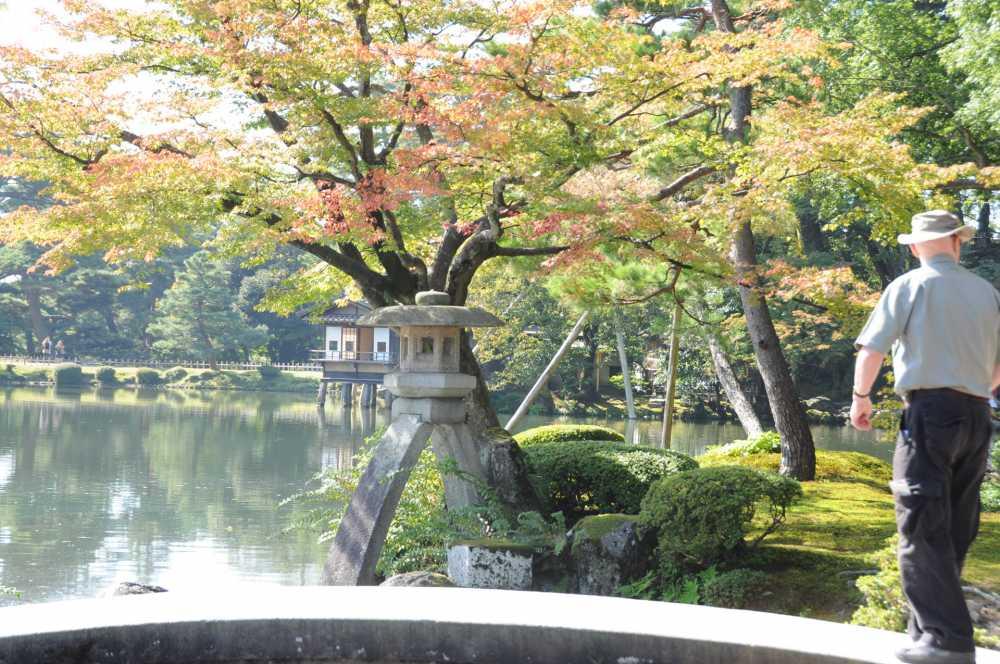 kanazawa-kenrokuen-e1540606858964