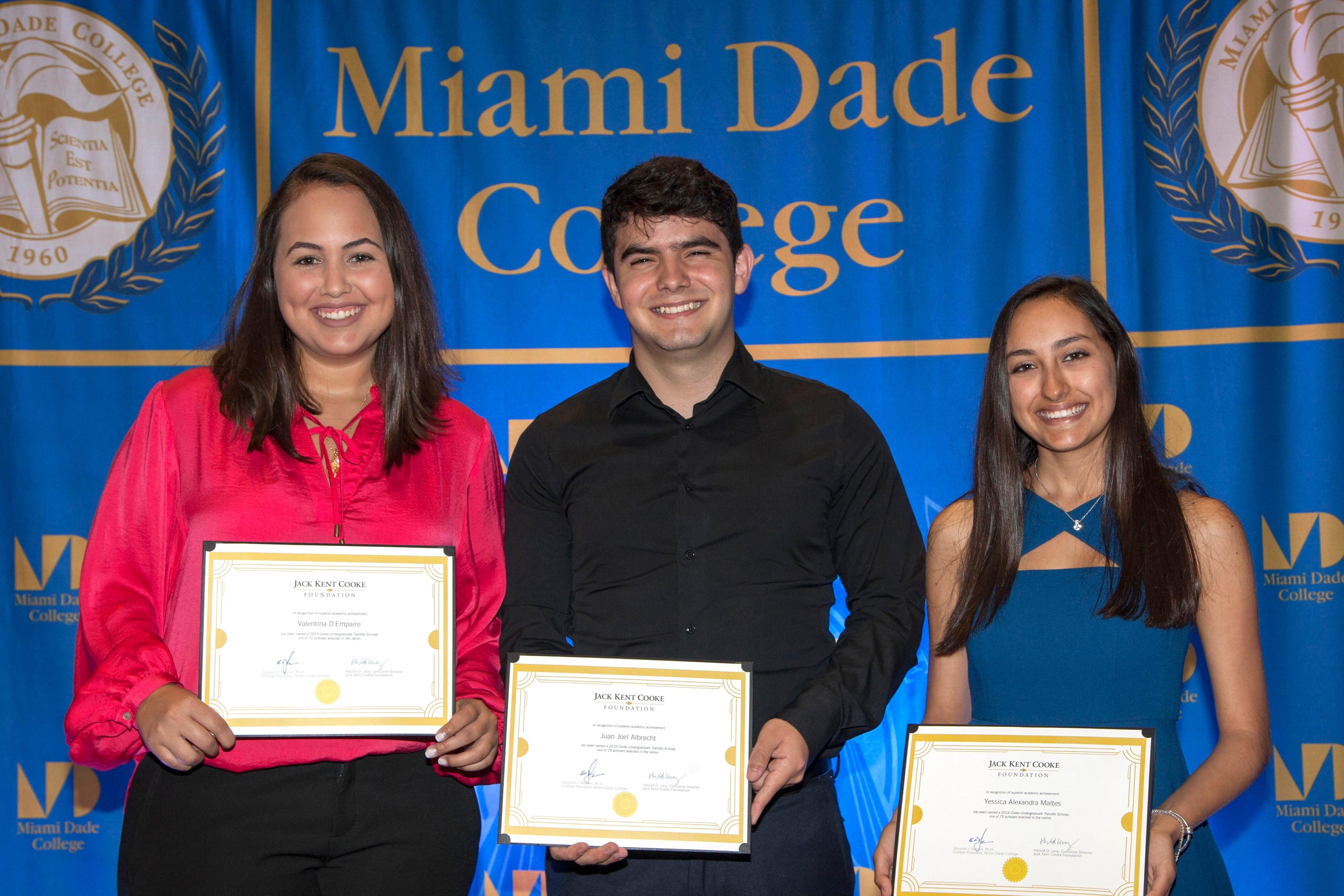 Miami_Dade_new_UT_scholars_1.jpg