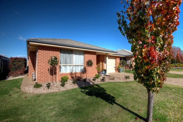 Hear from Kensington Gardens residents about what it's like to live in our Shepparton retirement village