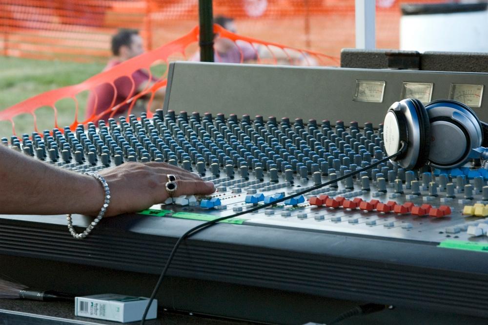Sound desk: Sound engineering