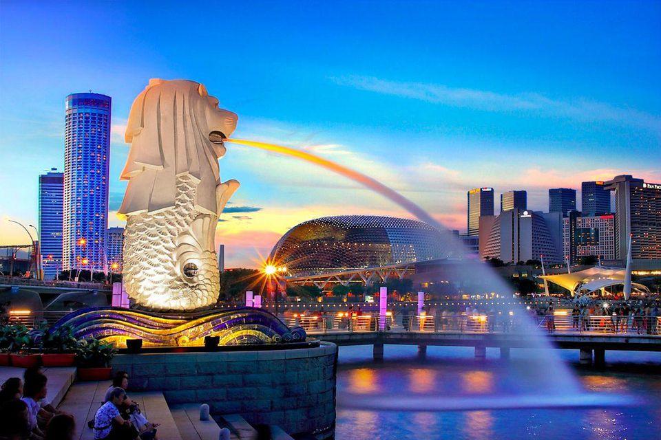 https___blogs-images.forbes.com_alexcapri_files_2018_09_Singapore-1200x800