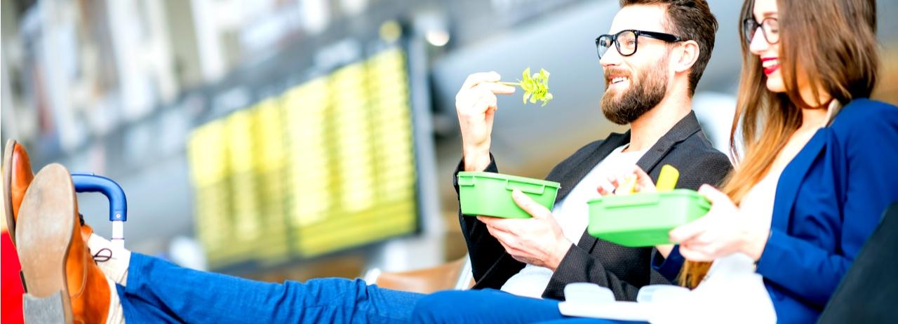 Tips para alimentarte bien mientras viajas