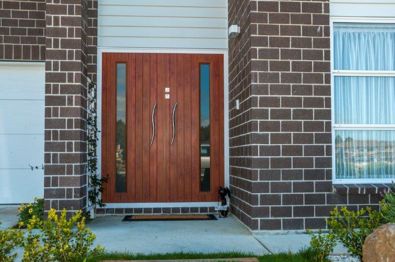 contemporary aluminium front entry door in entranceway (8).jpg