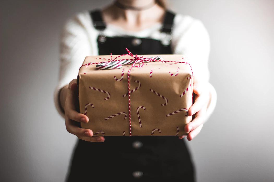20 Secret Santa Ideas For Your Work Colleagues
