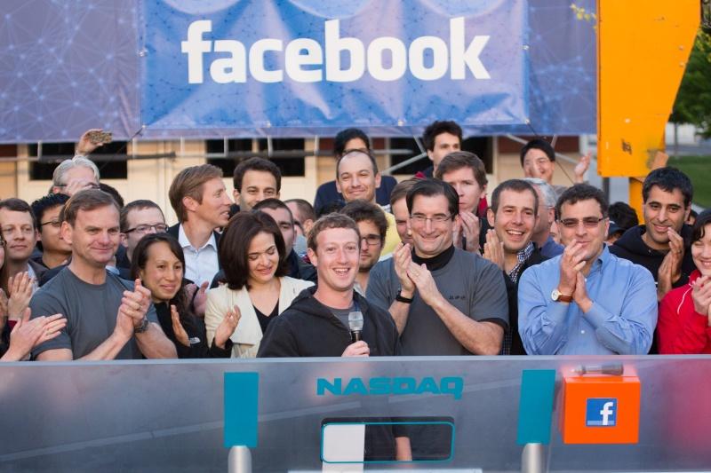 mark-zuckerberg-facebook-ipo-microphone