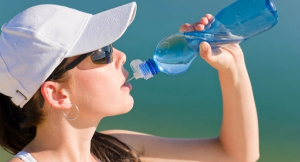 sport-fit-woman-drink-water-bottle-xs-157557-edited