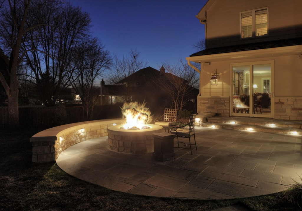 Fire pit lighting seat wall lighting fixtures for Outdoor landscape wall lighting