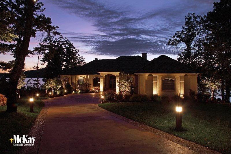 28 outdoor driveway landscape bollard lights for Driveway landscape lighting