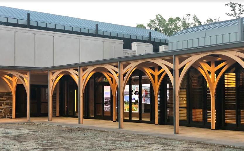 Duke_Alumni_Center_July_2019_Wall_View_from_Courtyard