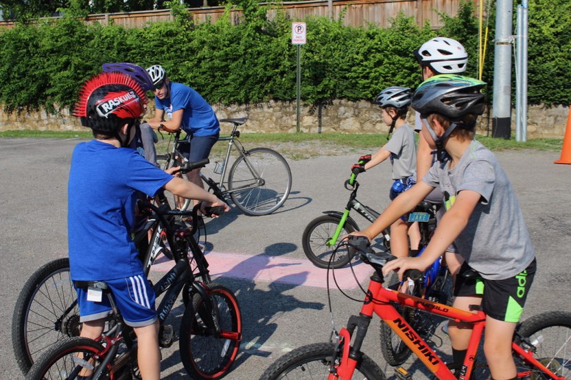 GS190727 - Waverly Belmont Bulldog Bike Safety Ready for Obstacle Course