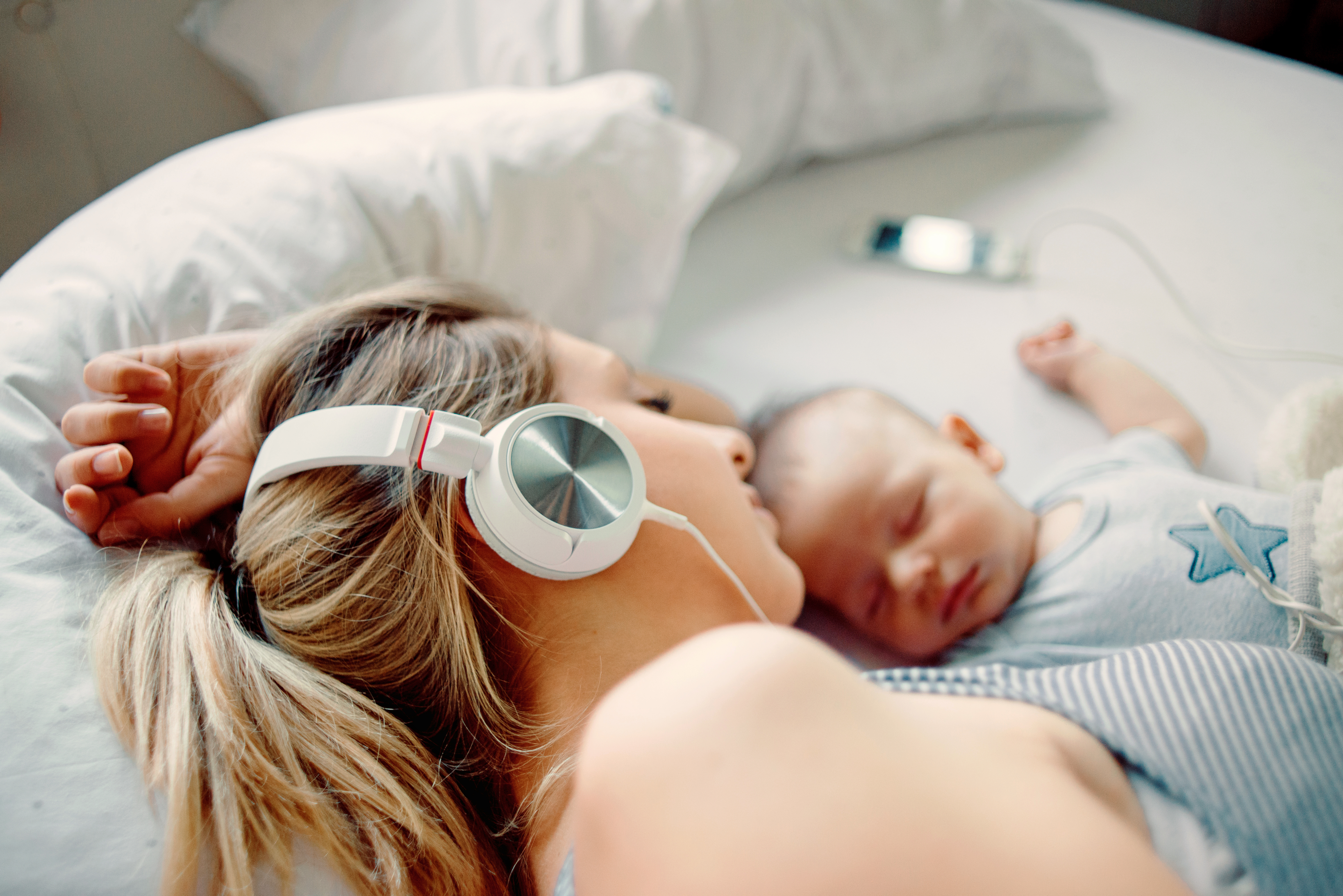 5 Podcasts Every Mom Needs to Listen to Now