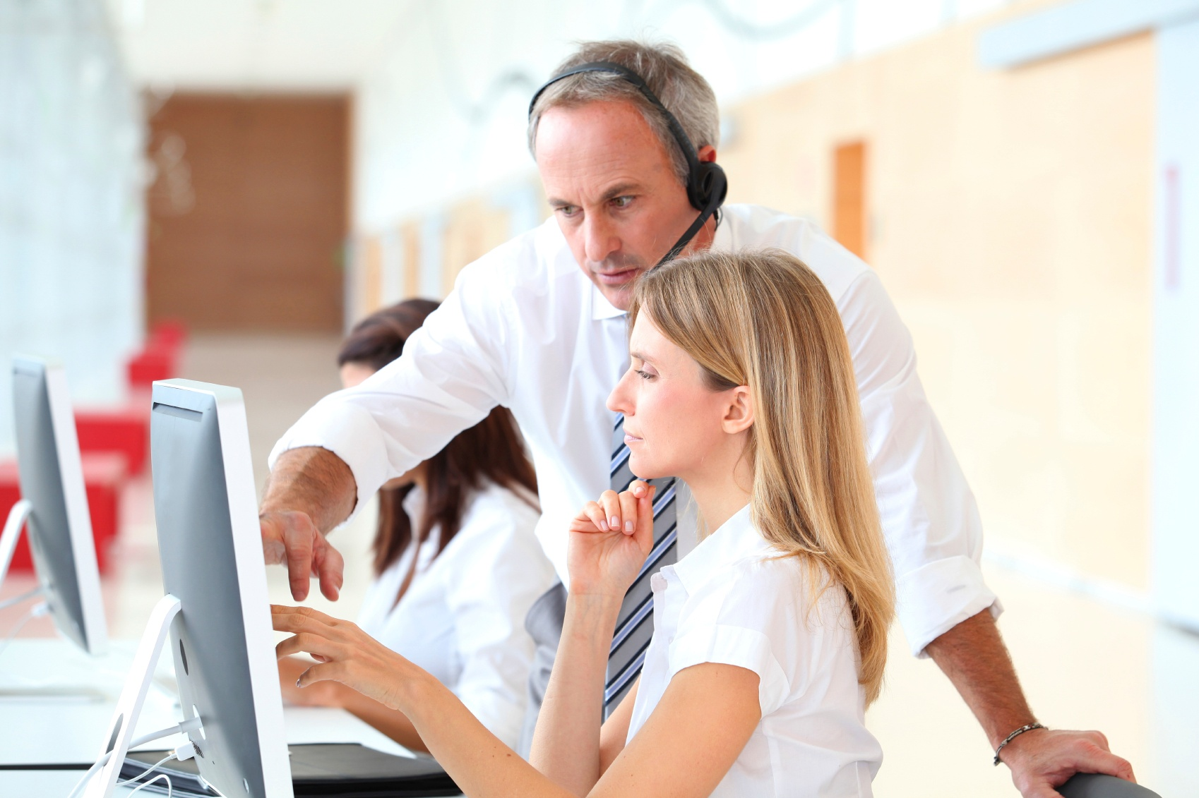 Customer-service-000015684248_Medium-1.jpg