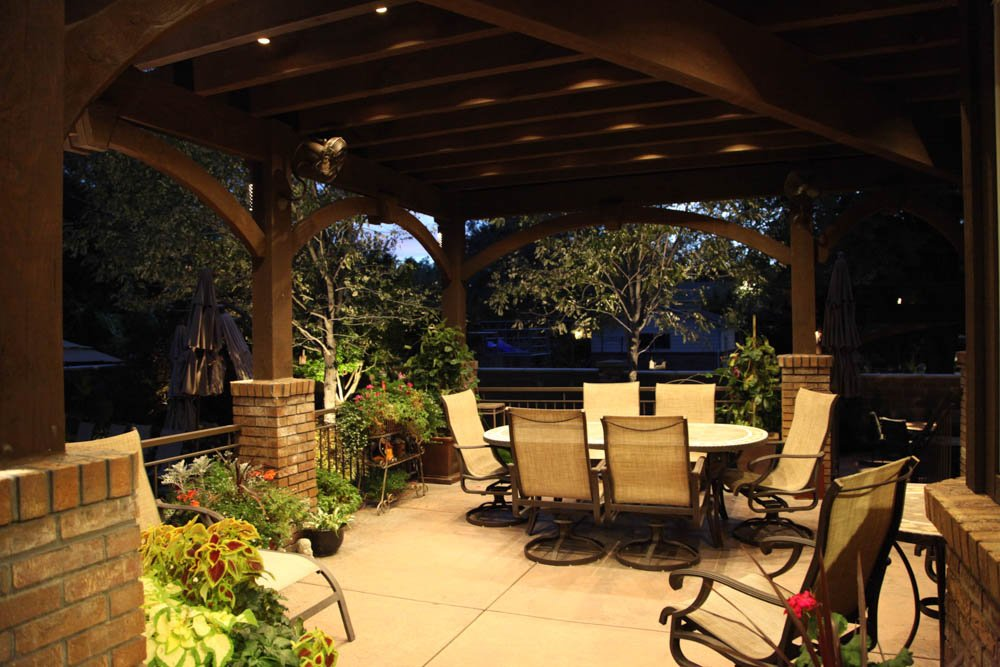 Patio pergola and deck lighting ideas and pictures for Covered patio lighting ideas