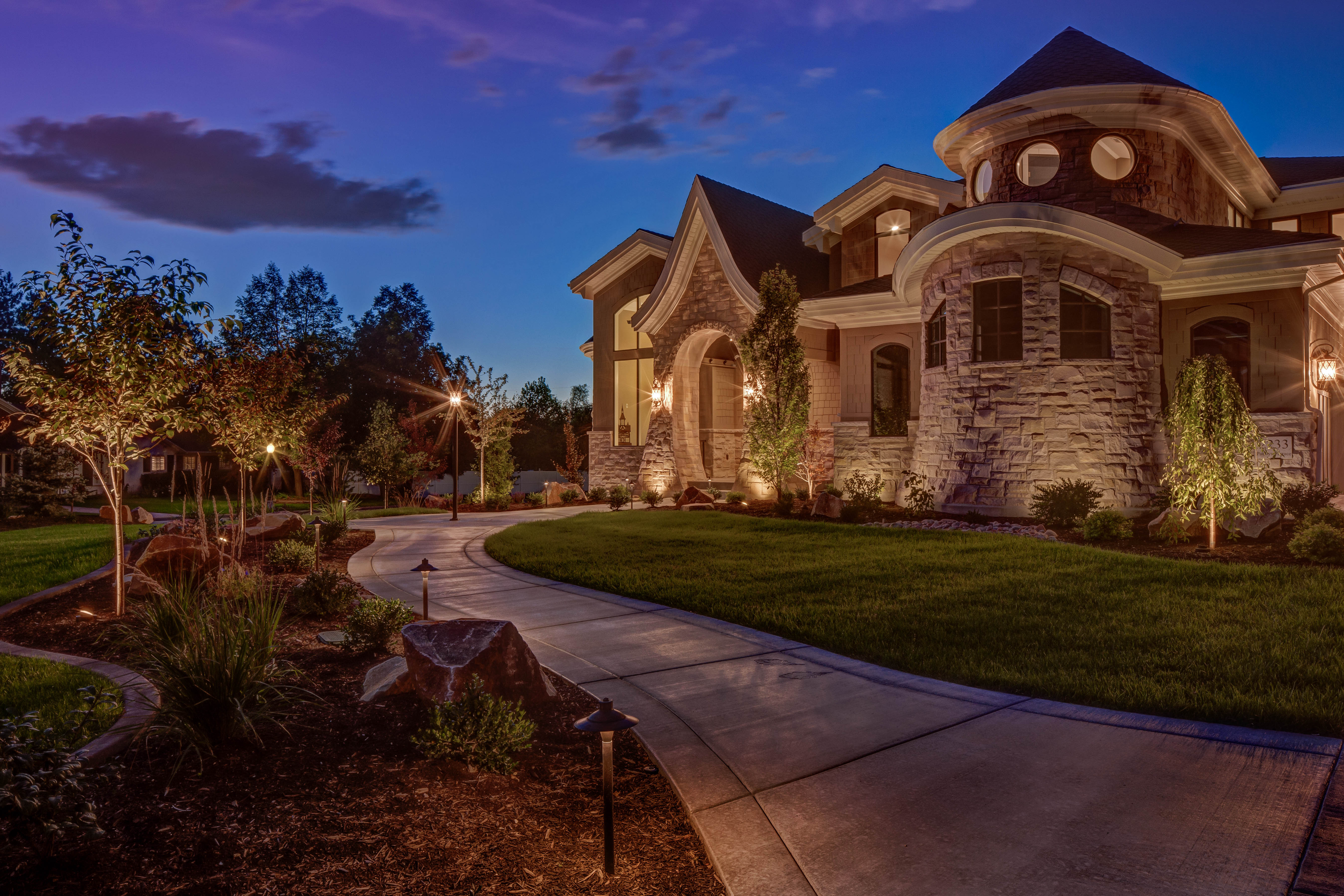 Landscaping Lights Installation : When to install your landscape lighting new vs existing