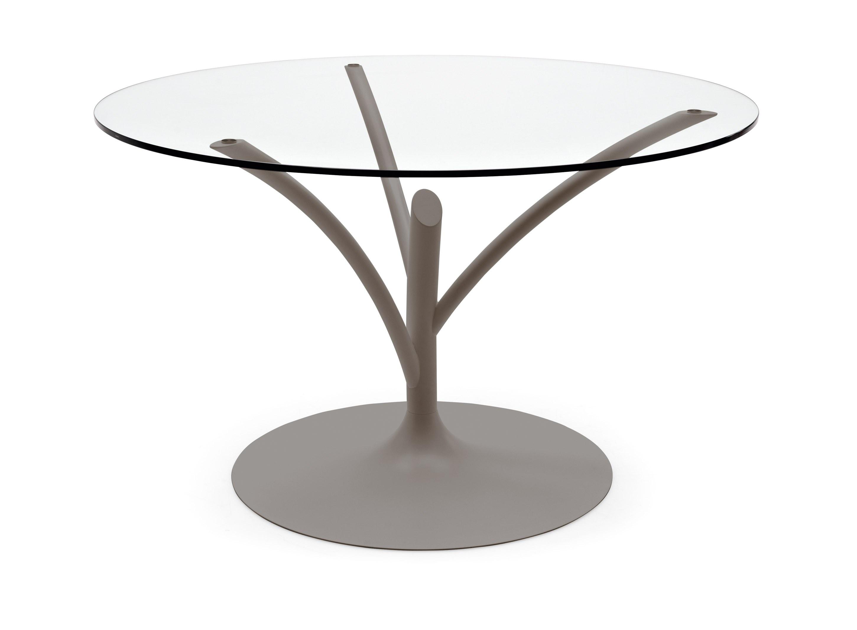 Tavoli rotondi e ovali una forma di socialit for Tavolo acacia calligaris