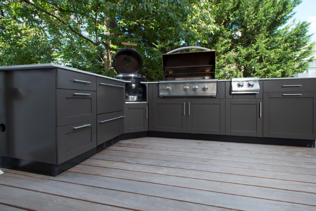 12 outdoor kitchen cabinets that will make cooking fun for Outdoor kitchen cabinets plans