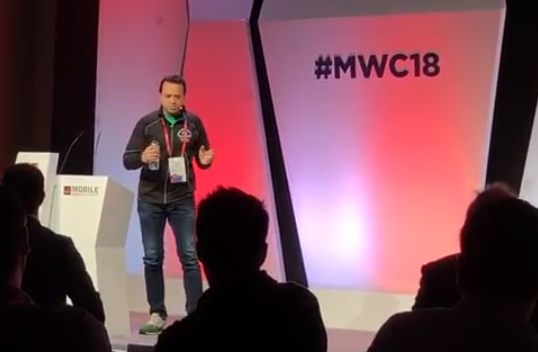 Max Versace Gives Keynote at Mobile World Congress