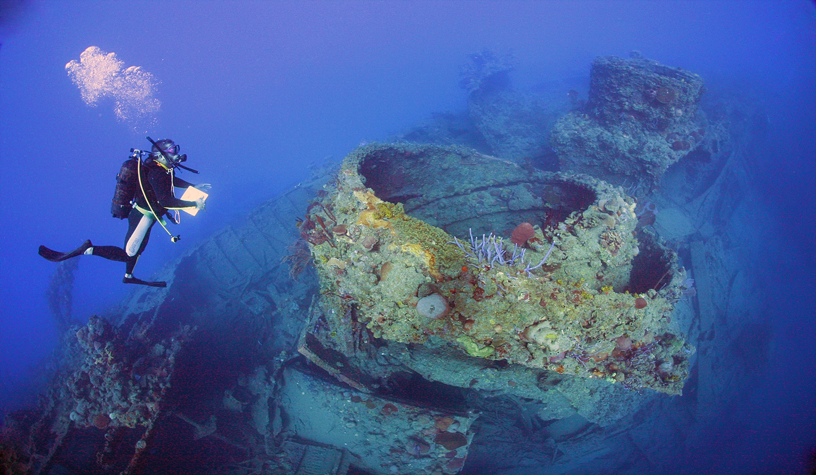 Jaruca-Sunken-Wreck-in-Playa-Larga
