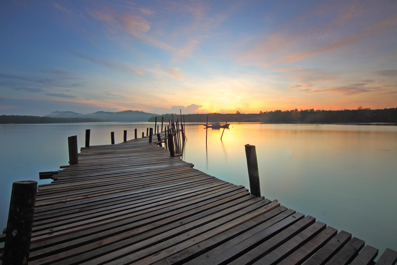 boat-calm-dawn-383485