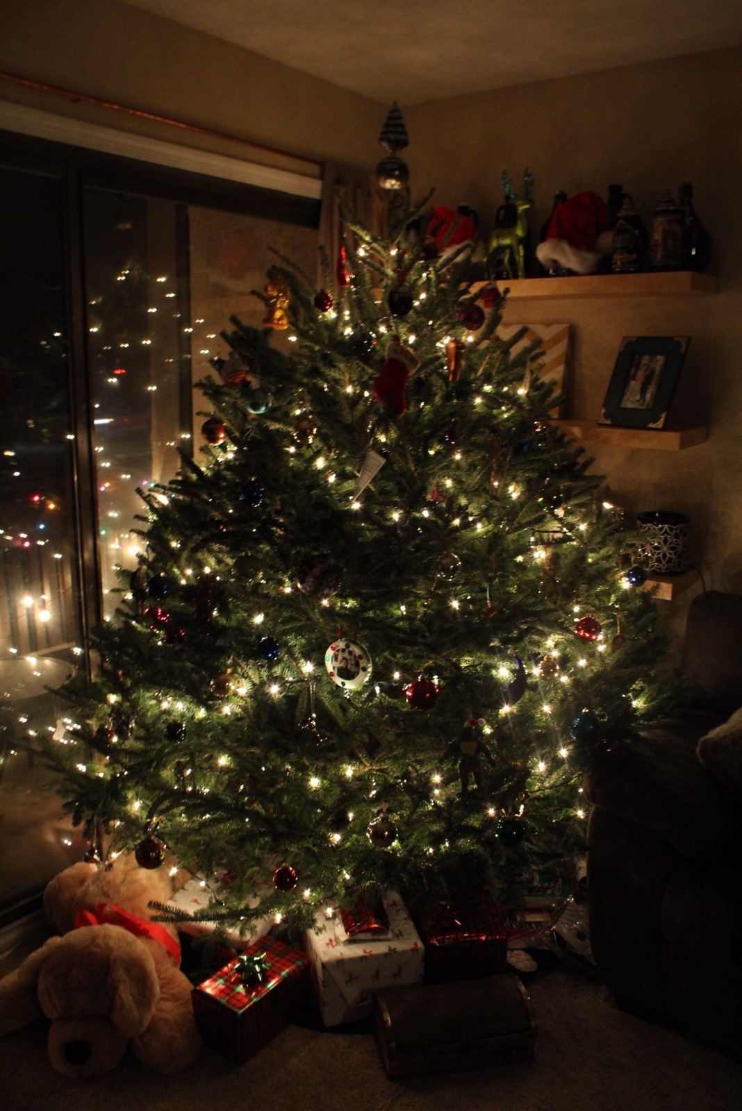 The added weight of ornaments and lights can disproportionately weigh down your tree, causing it to fall if not secured.