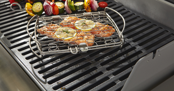 Weber Stainless Steel Grill Grates vs Cast Iron (Reviews