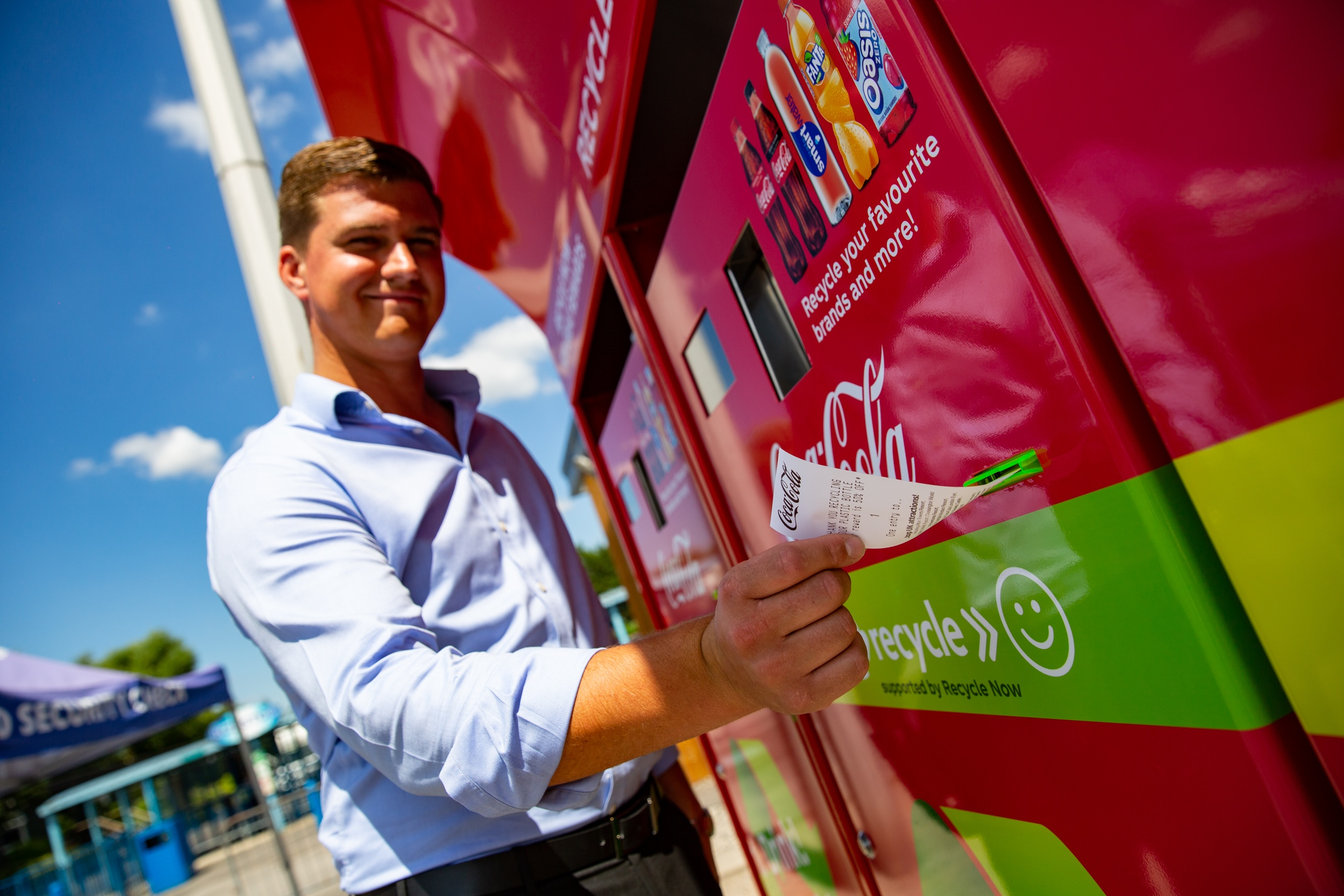 Coca-Cola GB launches reverse vending machine trial with Merlin Entertainments (3)