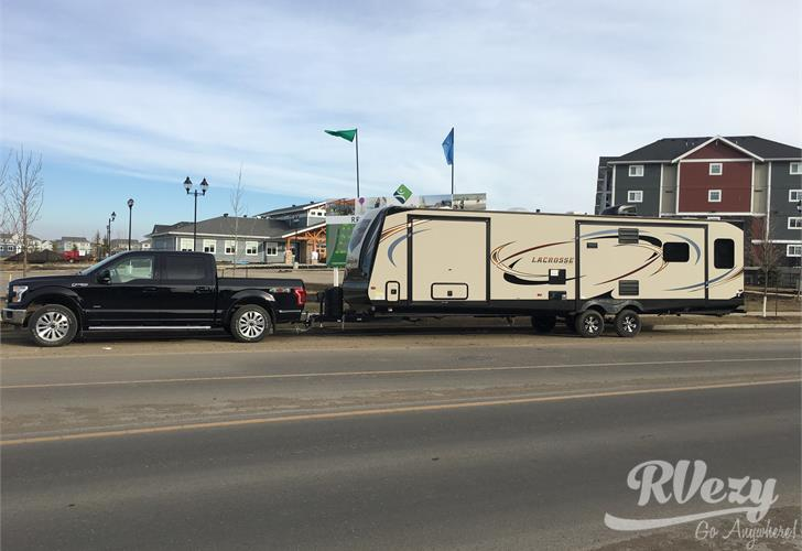 prime-time  lacrosse travel trailer for rent