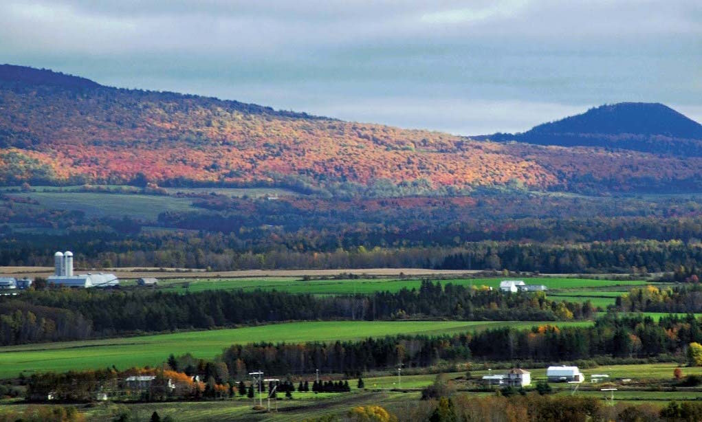 Mont-Chic-Choc-province-Notre-Dame-Mountains-Matapedia