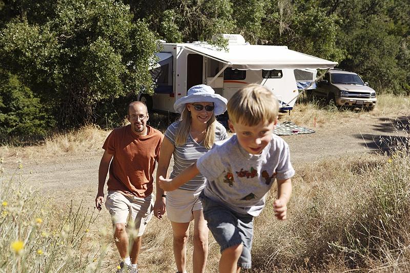 traveltrailerwithfamily-web