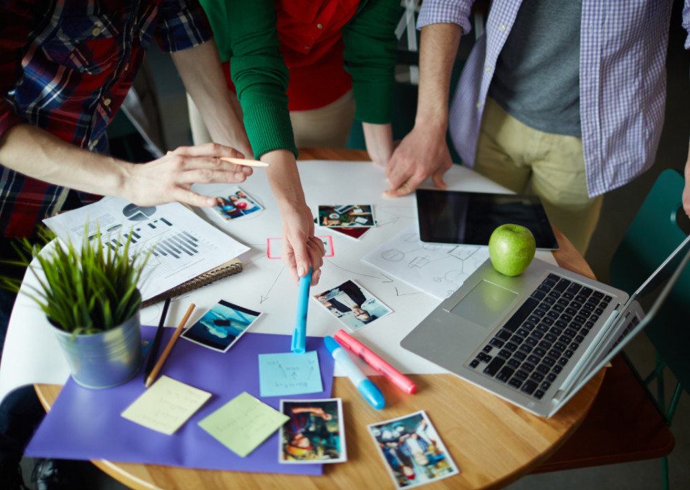 Aplica el modelo UVirtual para formar equipos colaborativos en el teletrabajo
