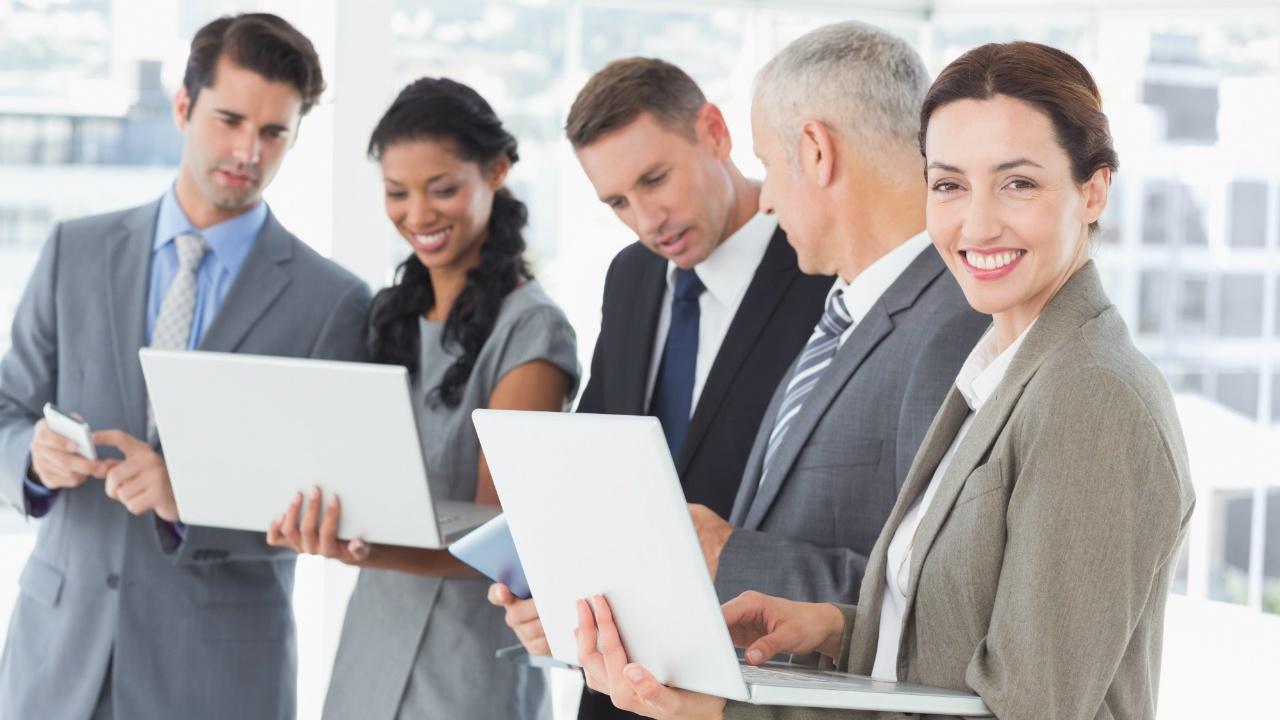 Networking en estudios online: Cómo mantener y aprovechar tus contactos