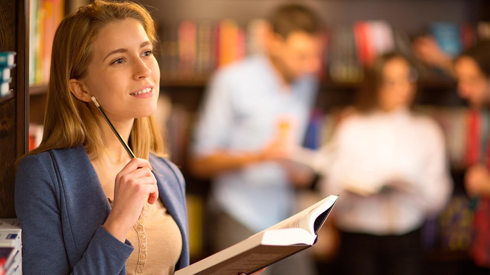 Conoce los beneficios que te ofrece la prestigiosa Universidad de Salamanca para especializarte en un máster online