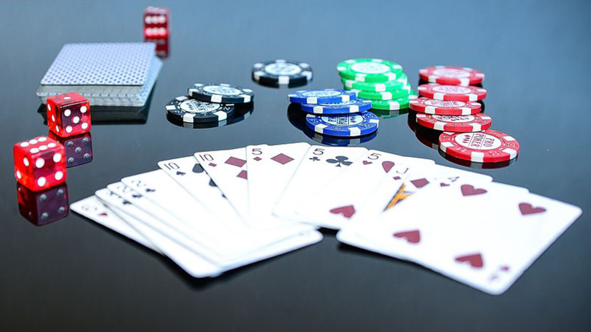 5-card-games-to-play-at-work