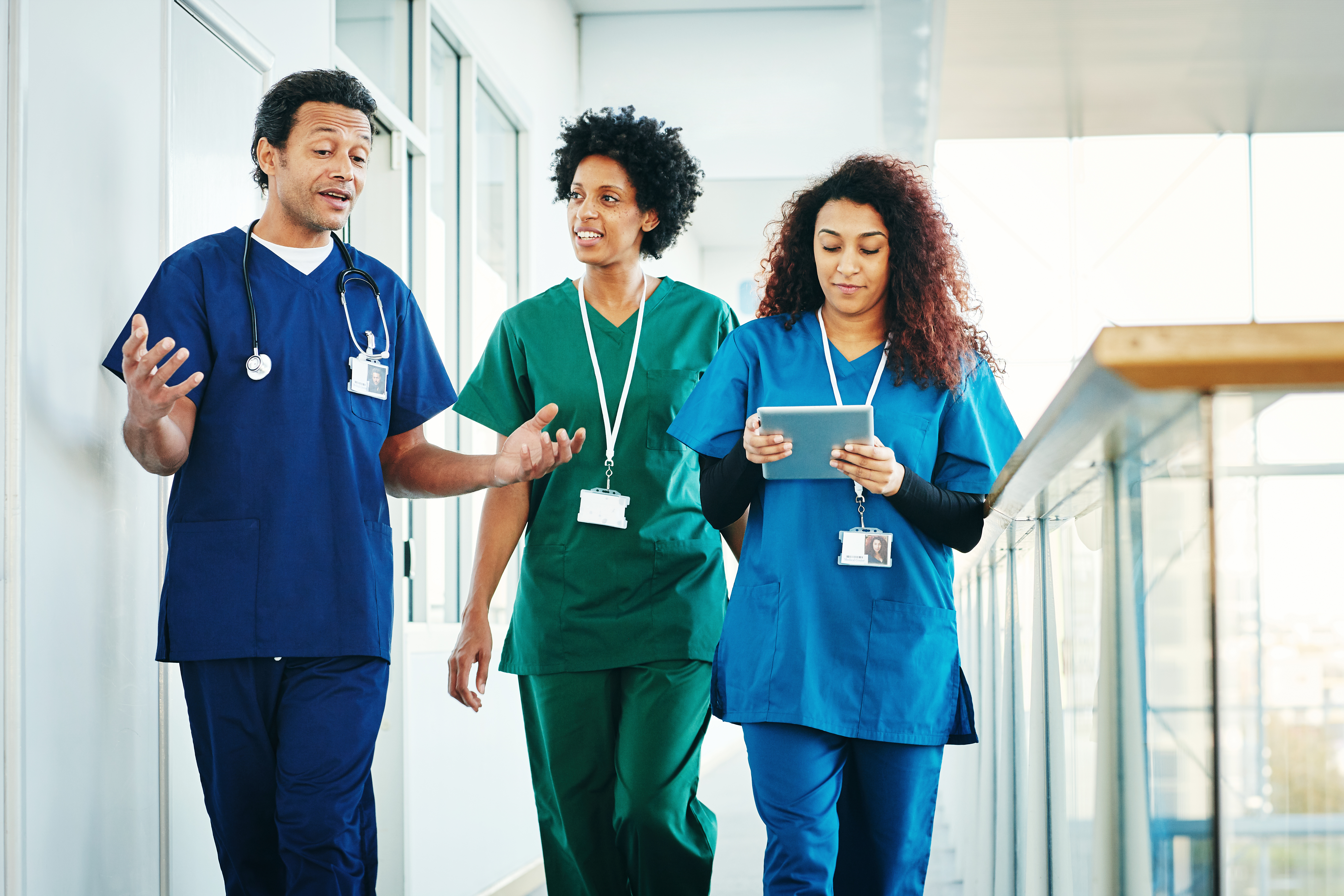 nursingces-guide-how-to-customize-your-scrubs