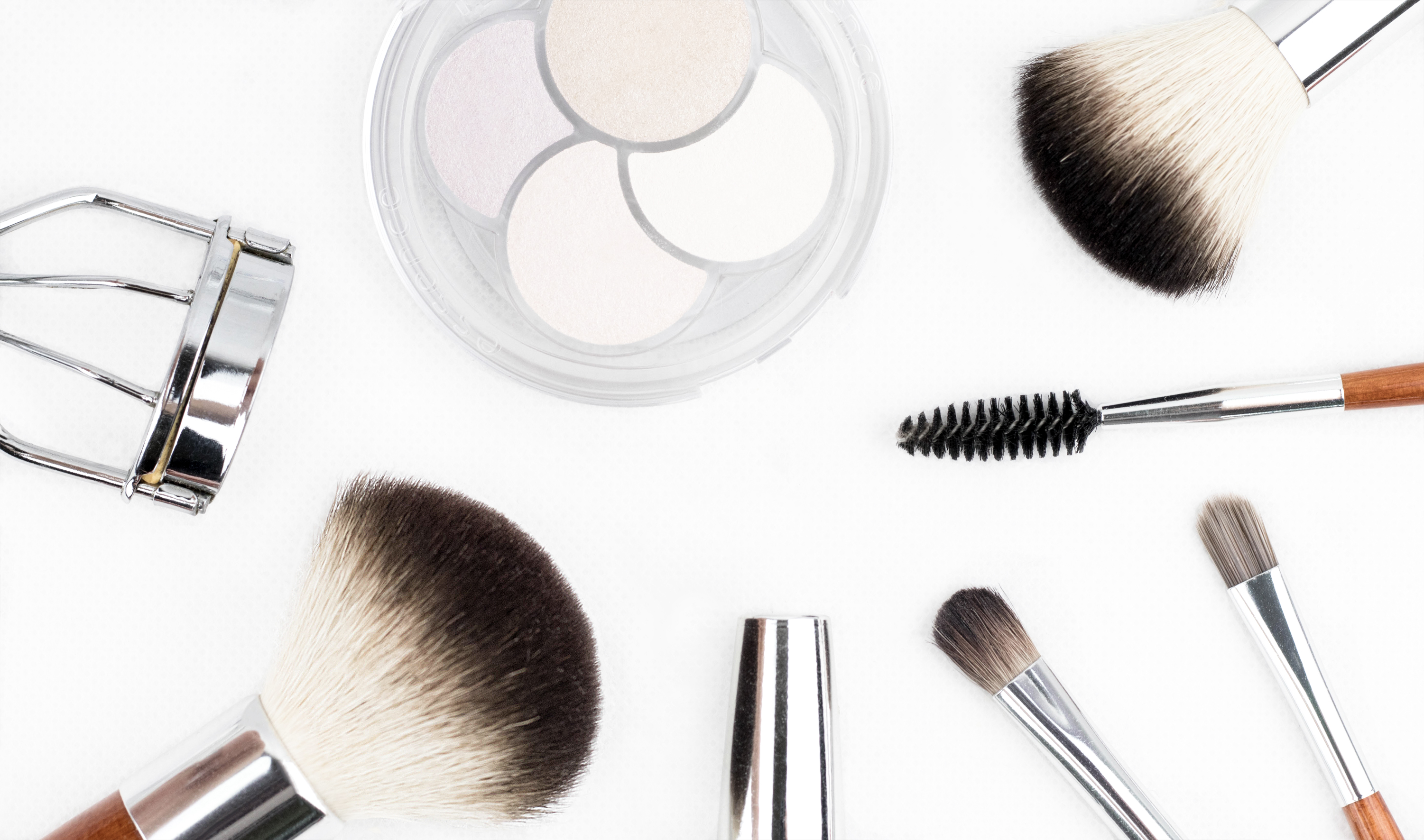 the-5-best-make-up-products-for-nurses-on-the-go