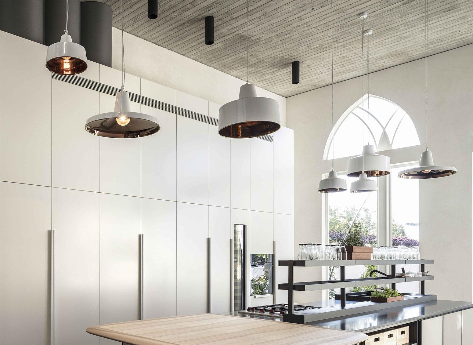 Illuminazione Piano Lavoro Cucina come illuminare un piano cottura per la cucina: i consigli