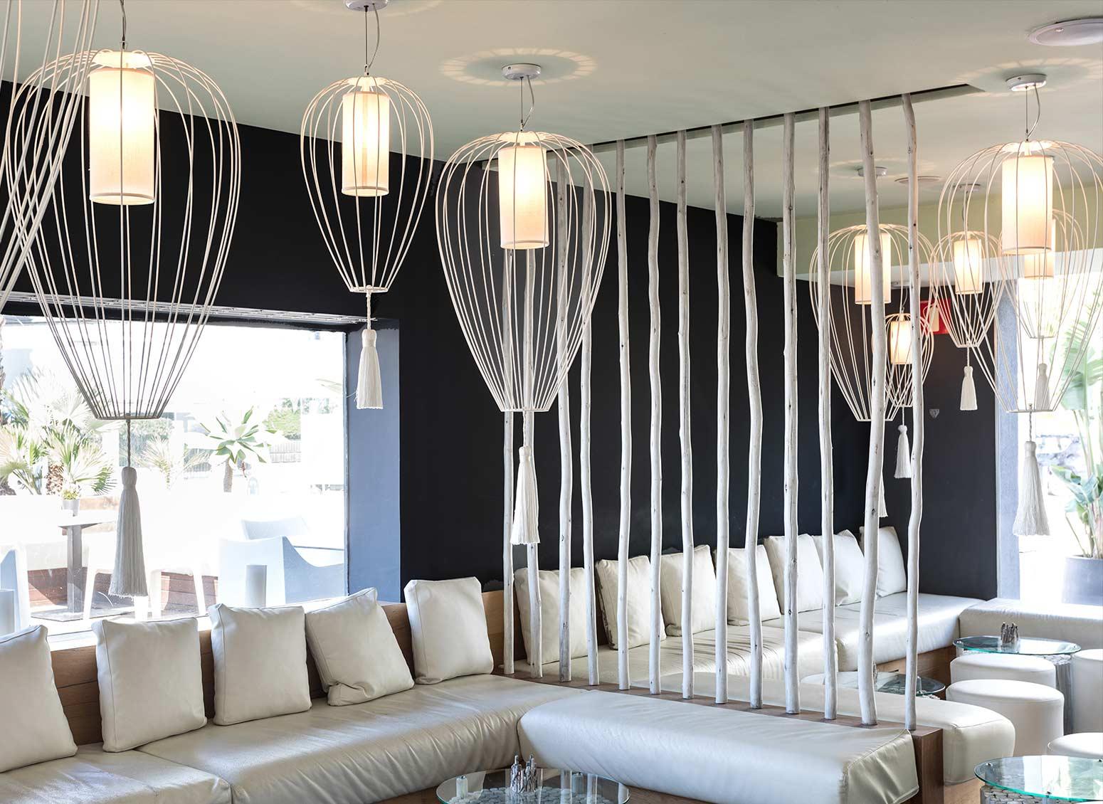 Lampadario Con Punto Luce Decentrato i 5 lampadari a sospensione di grandi dimensioni by karman