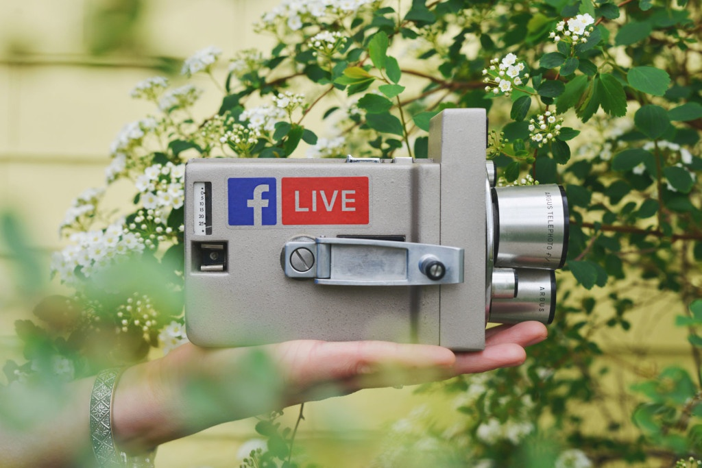 Ways-Startups-Can-Use-Facebook-Live-to-Connect-With-Their-Followers-1024x683