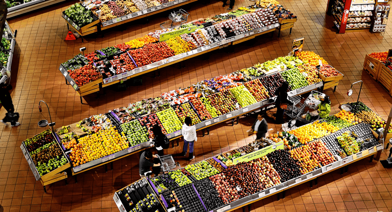 offline and online shoppers supermarket