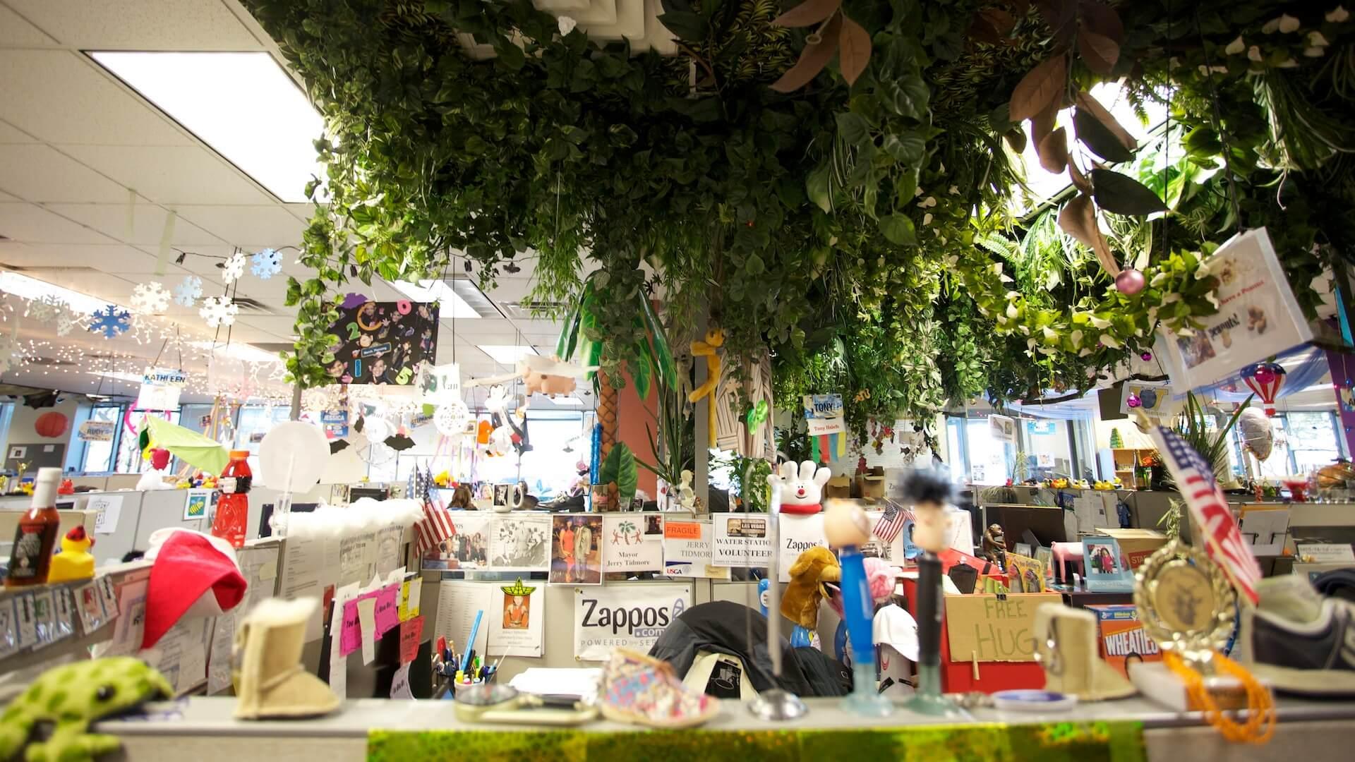 zappos-office-decor