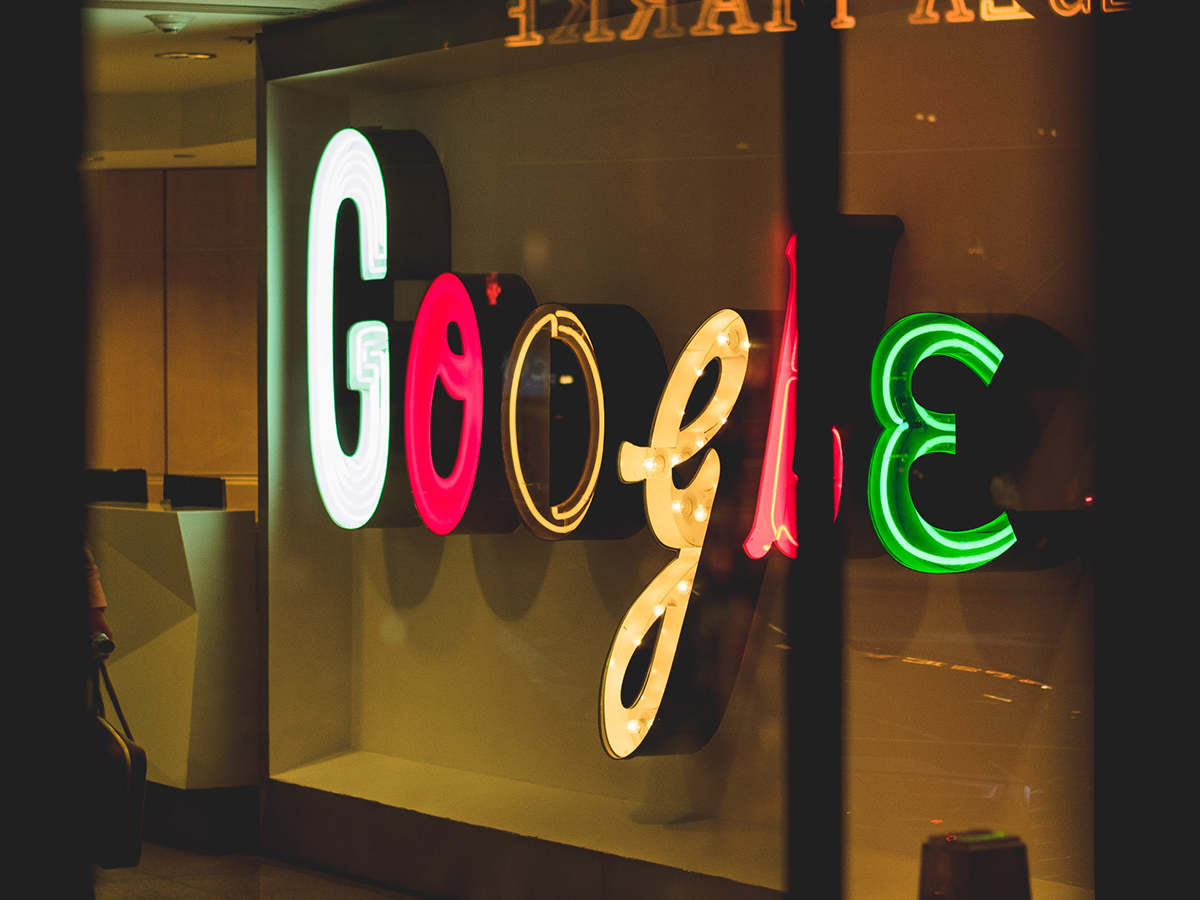 google sign 4X3ratio
