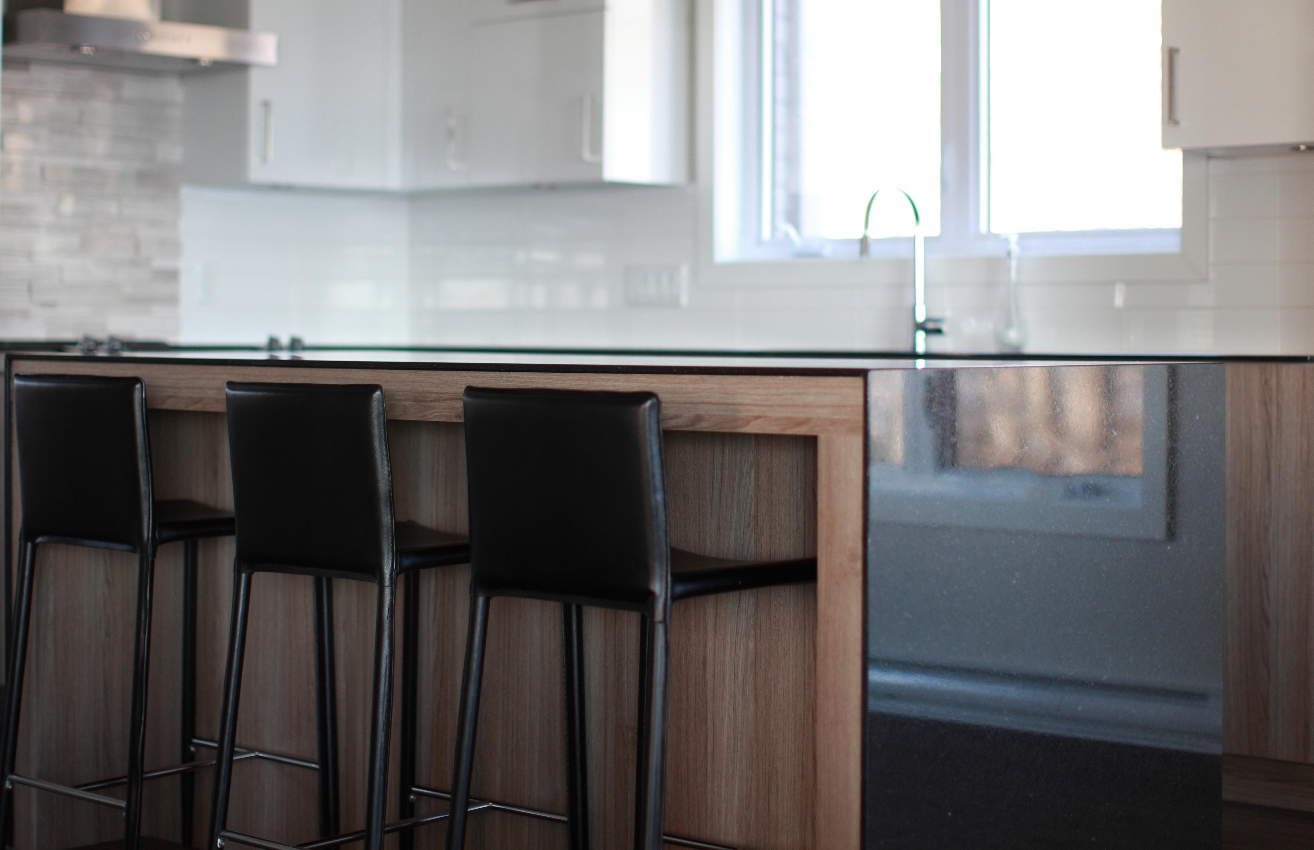 thin-countertops-cambrian-black-granite-polycor.jpg