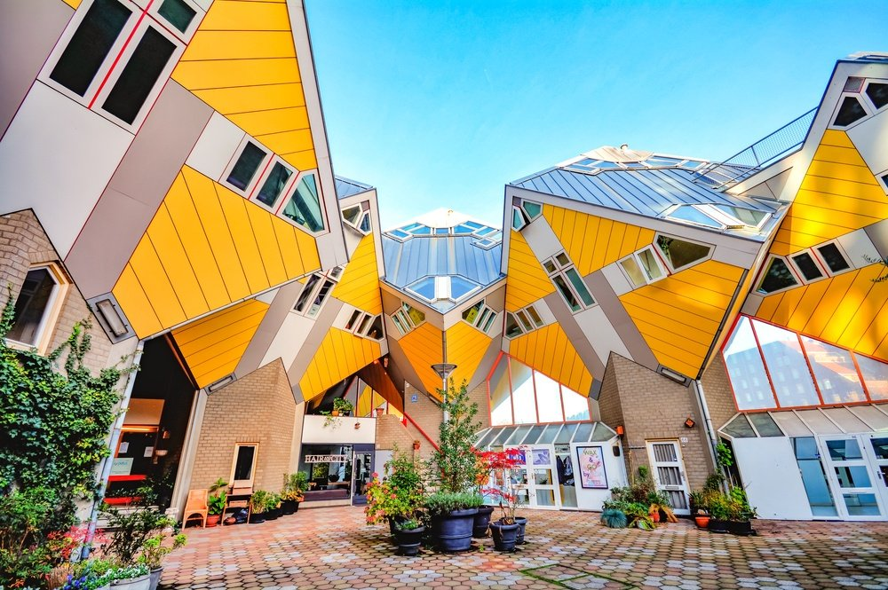 crazy yellow Airbnb in Rotterdam Netherlands